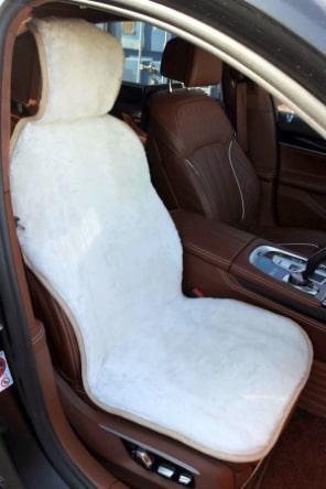 Накидка на сиденье из овчины белая